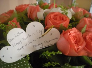 The note with the flowers!